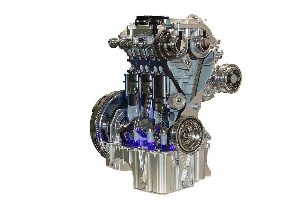 Трехцилиндровый (!) мотор ecoboost объемом 1 литр, карл!